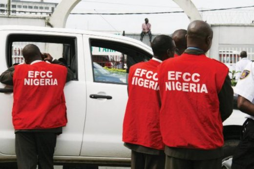 EFCC Nabs 32 Suspected Internet Fraudsters in One Operation