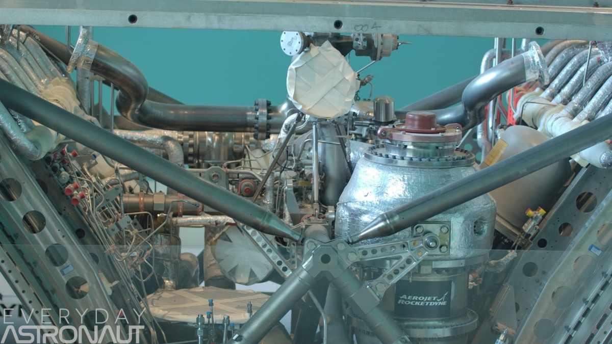 Multiple chambers xrs-2200 aerospike engine