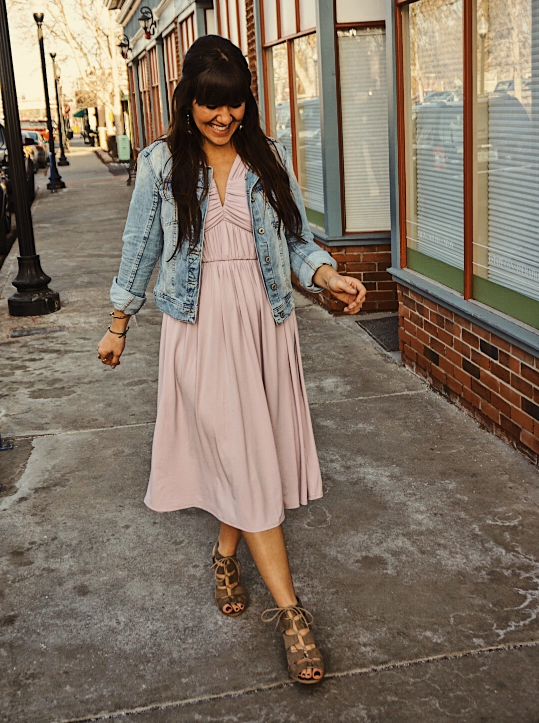 Learning How to Style the Bump   Spring Maternity Style   Pregnancy Style for Spring   Lilac Spring Dress