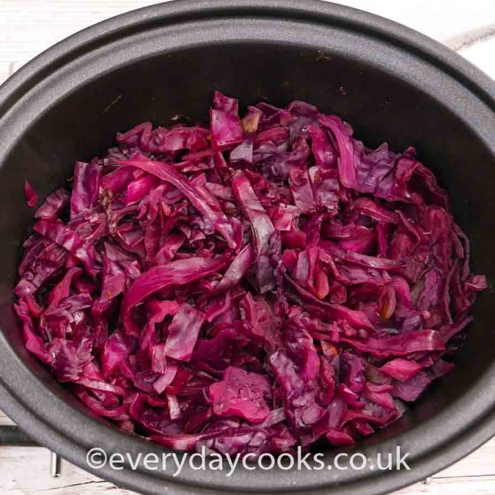 Cooked Slow Cooker Red Cabbage