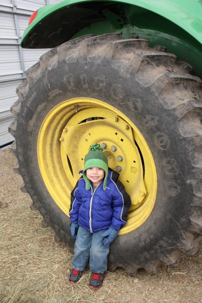 img_0317-tractor-wheel