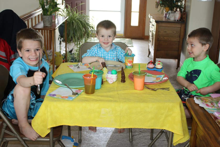 img_4385-kids-table