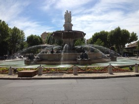 Fontaine de la Rotonde ... If you get lost driving around Aix, just find your way back to this fountain!