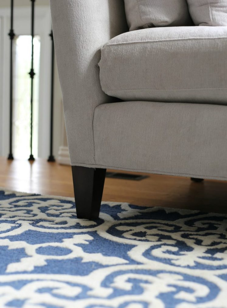 A-New-Rug-for-the-Living-Room