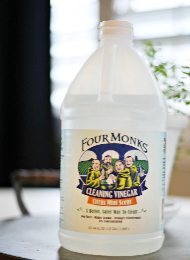 simple-ideas-to-repurpose-plastic-spray-bottles