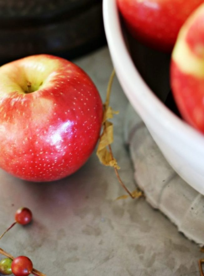 apples-make-play-for-fall-tablescapes