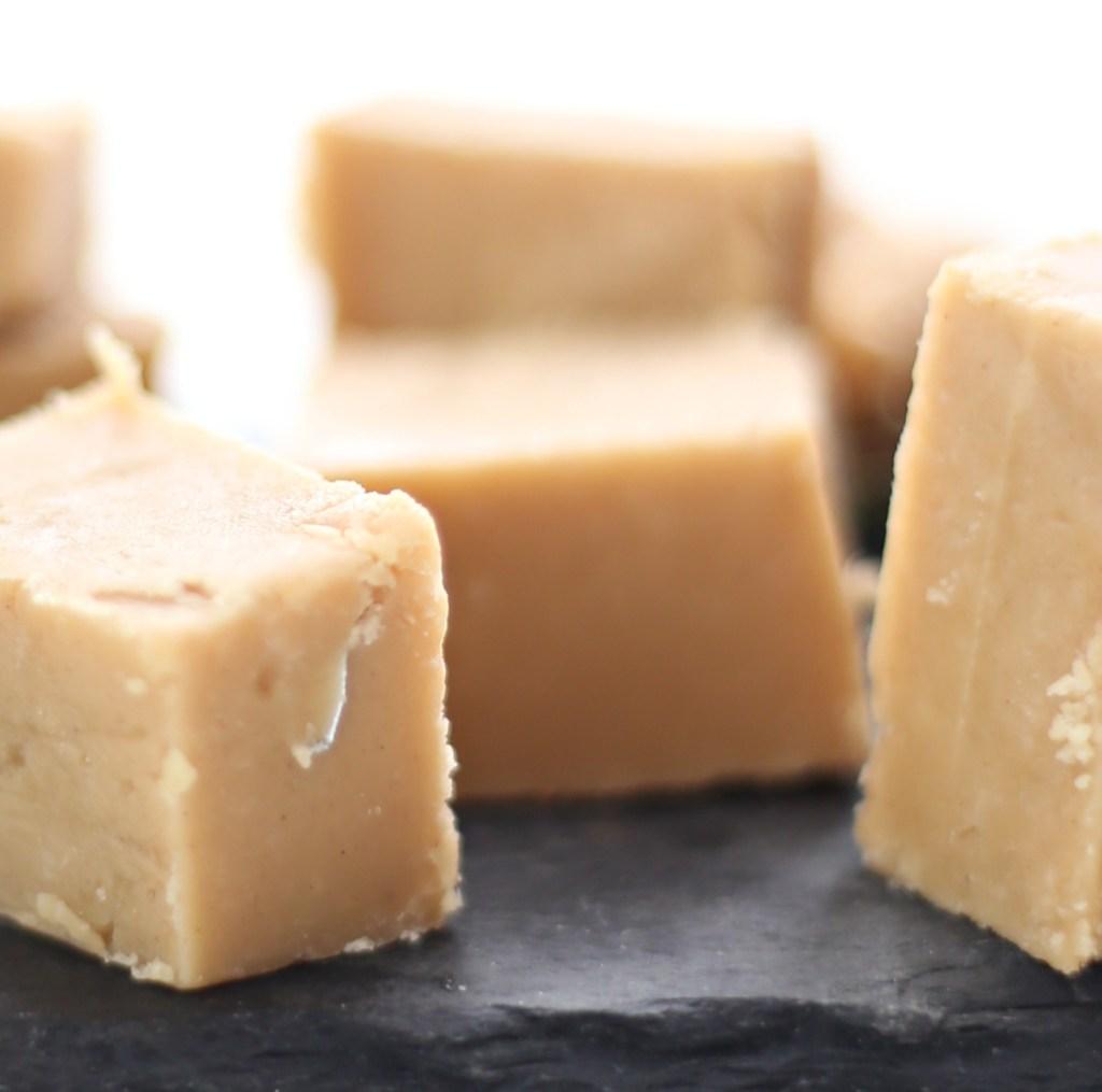 5-ingredient-peanut-butter-fudge-everydayedits