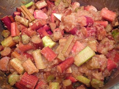 Rhubarb Added to Pureed Apples (c) jfhaugen