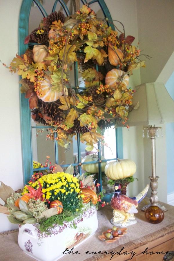 A Foyer Dressed for Fall | A Fall Tour | The Everyday Home | www.everydayhomeblog.com