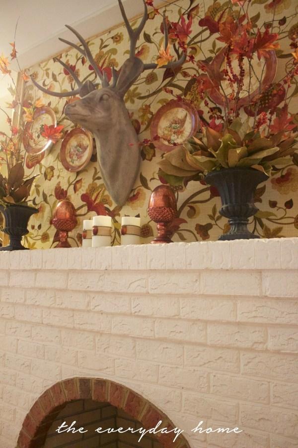 A Southern Home's Fall Fireplace | Fall Tour | The Everyday Home | www.everydayhomeblog.com