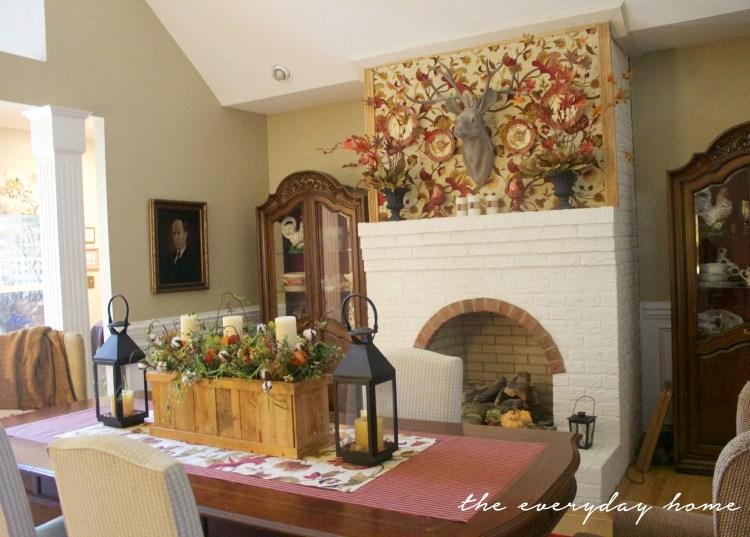 A Traditional Dining Room Dressed for Fall | A Fall Tour | The Everyday Home | www.everydayhomeblog.com