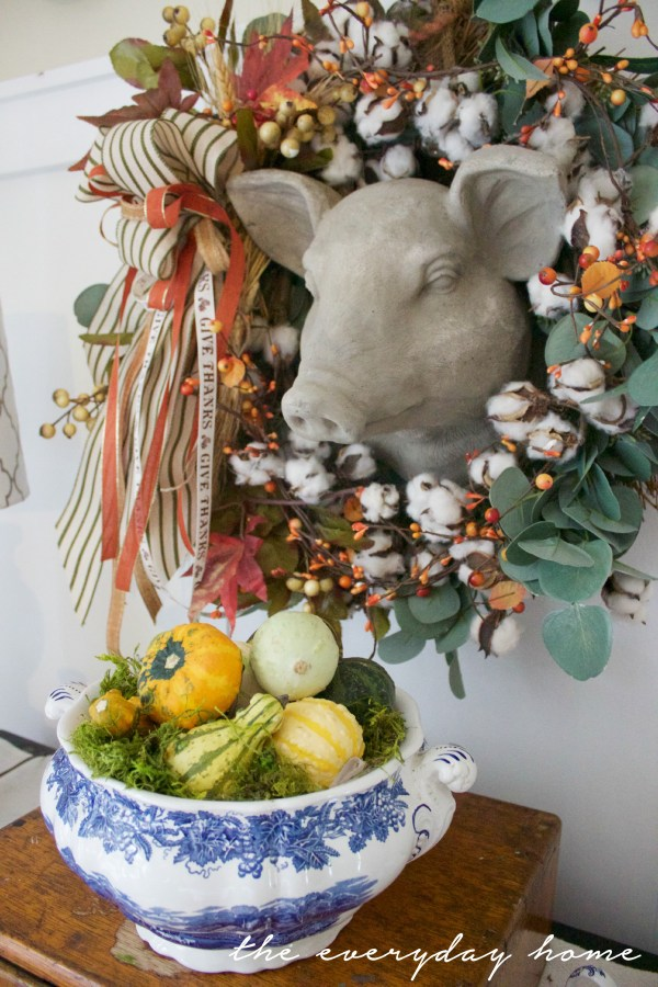 Fall Pig Wreath | A Fall Tour | The Everyday Home | www.everydayhomeblog.com