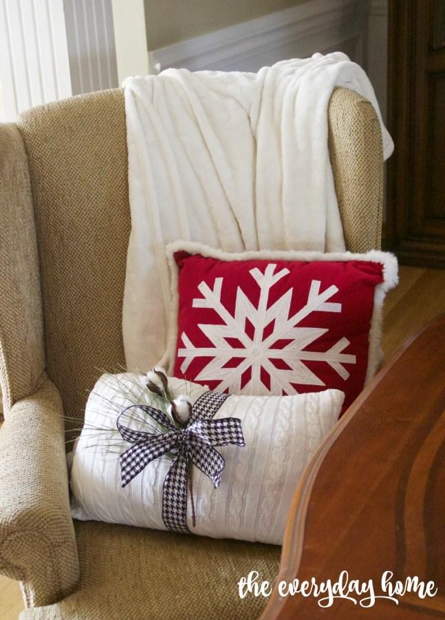 Christmas Pillows   2015 Christmas Dining Room Tour   The Everyday Home   www.everydayhomeblog.com