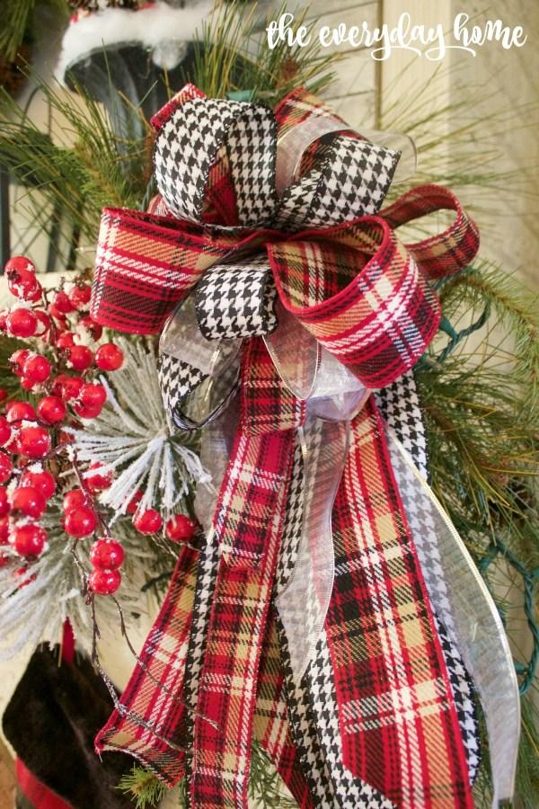 Christmas Tartan and Houndstooth Bow   The Everyday Home   www.everydayhomeblog.com 1200