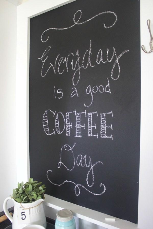 DIY Custom Chalkboard | The Everyday Home | www.everydayhomeblog.com