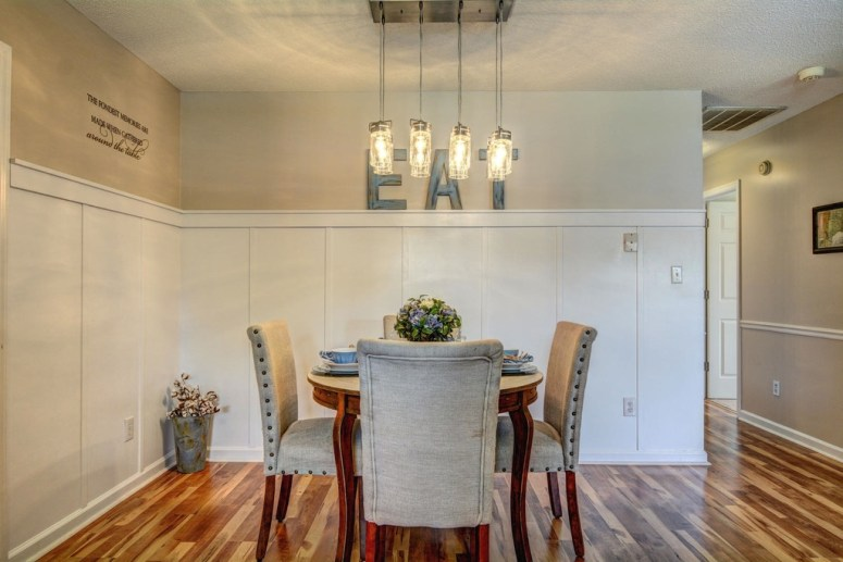 A Flip House Farmhouse Dining Area