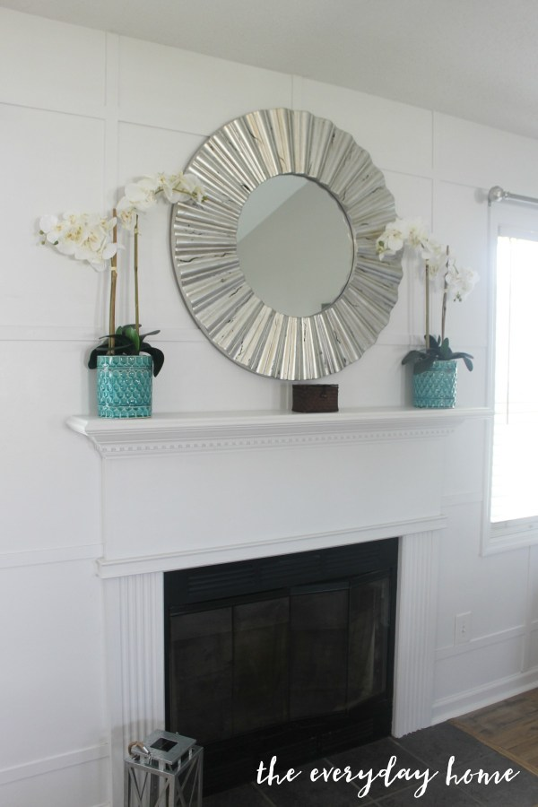 White Accent Wall The Everyday Home www.everydayhomeblog.com