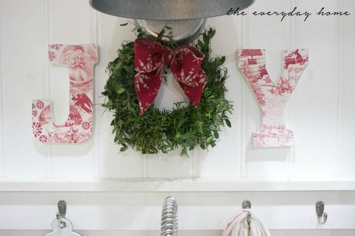how-to-make-christmas-joy-letters   The Everyday Home   www.everydayhomeblog.com