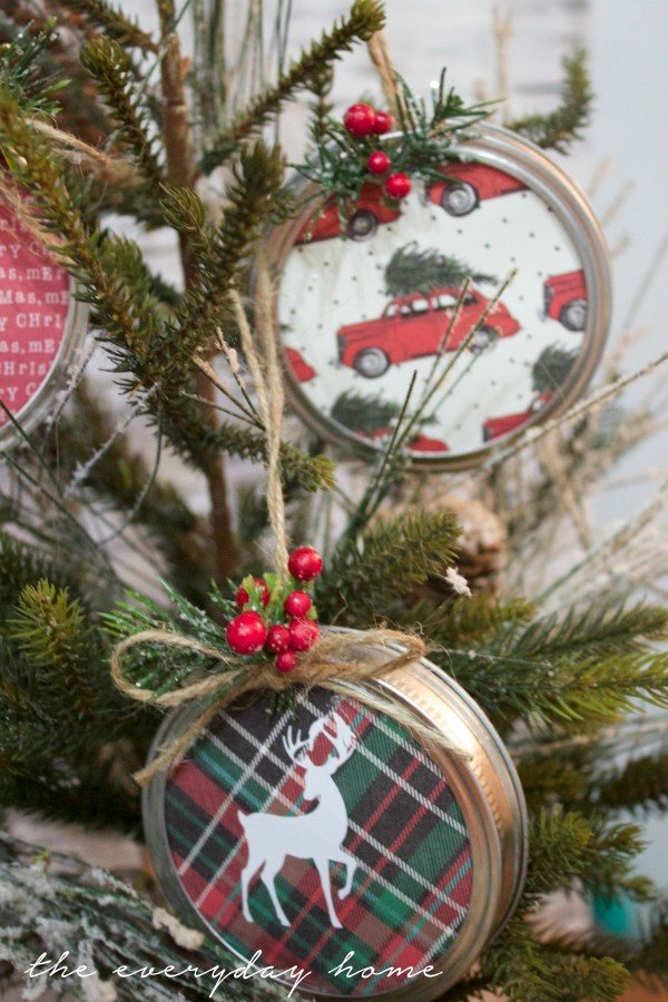 how-to-make-mason-jar-lid-christmas-ornaments   The Everyday Home   www.everydayhomeblog.com