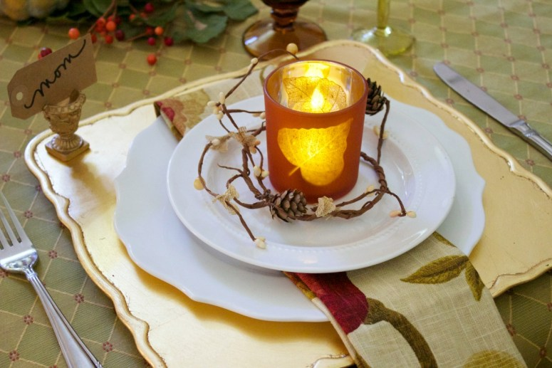 rustic-and-elegant-placesetting-on-a-fall-tablescape | The Everyday Home | www.everydayhomeblog.com