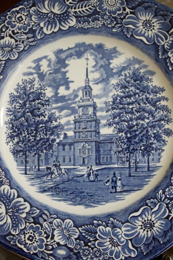 english-blue-dish | The Everyday Home | www.everydayhomeblog.com