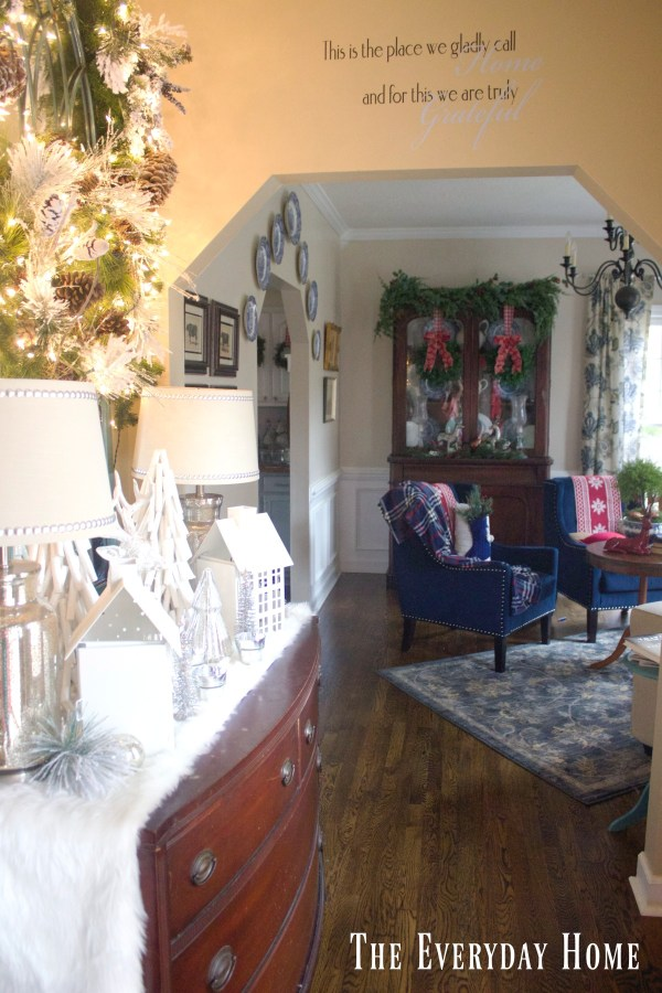 frosty-winter-foyer-and-living-room