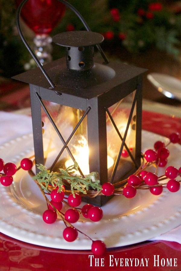 festive-tablescape-mini-lanterns