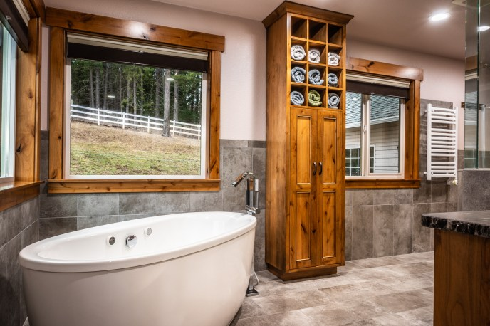 Real Estate Video Tours - Bathroom