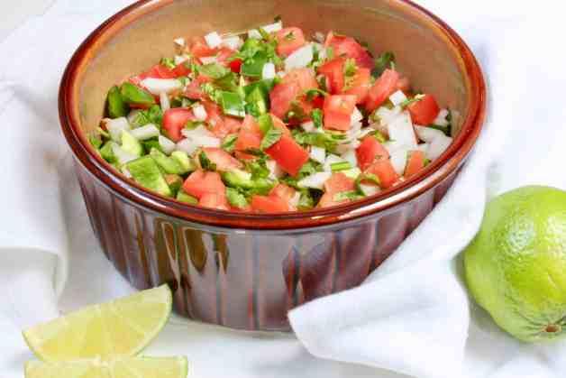 Simple and Healthy Pico de Gallo Salsa #picodegallo #mexicansalsa #whole30recipe