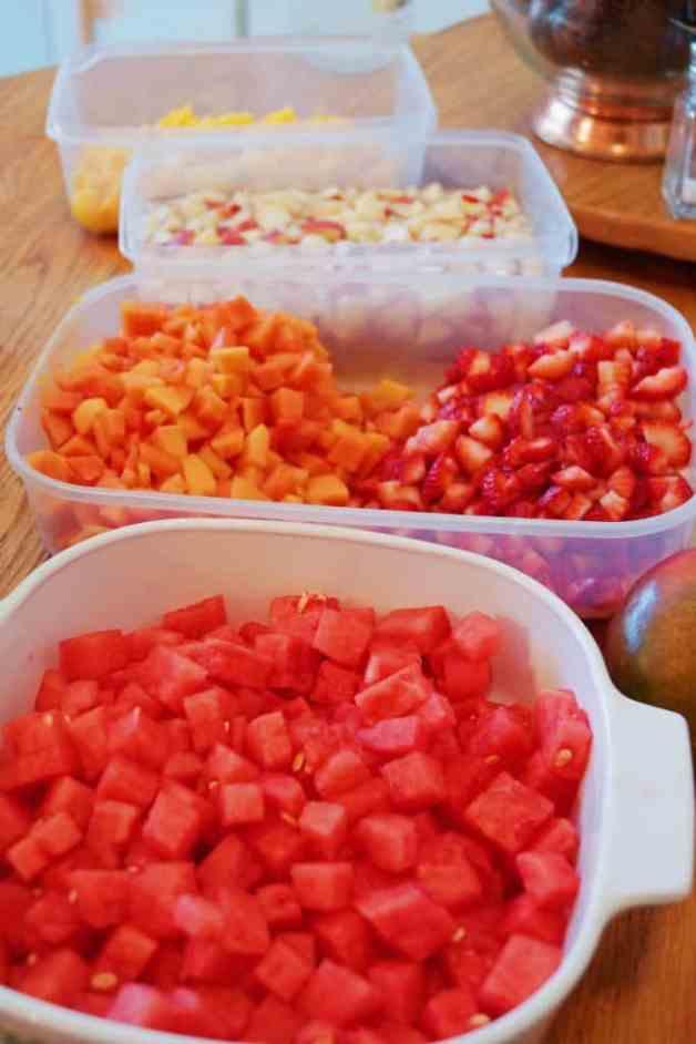Sweetened Condensed Milk Fruit Salad #mexicanfruitsalad #mexicandessert #fruitsalad
