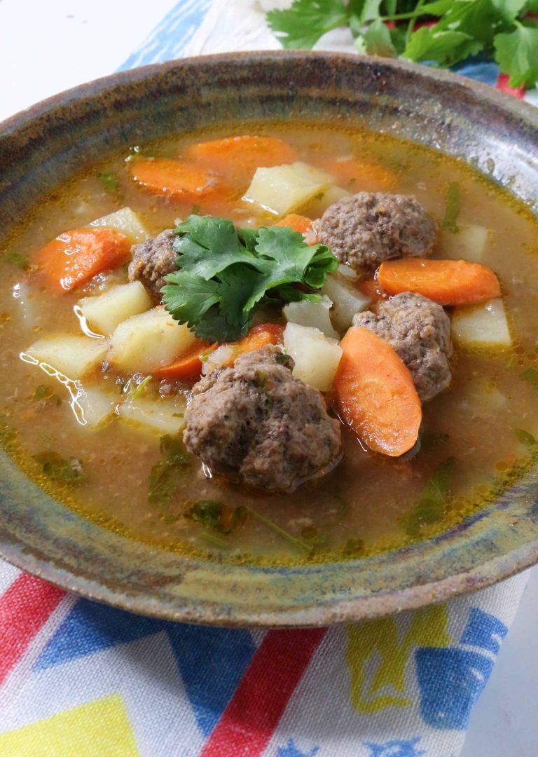 Mexican Meatball Soup (Caldo de Albondigas) #mexicanmeatballsoup #whole30recipes #caldodealbondigas
