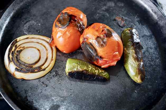 Roasted vegetables for guacamole