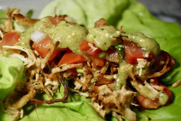 Whole30 slow cooker crispy chicken tacos in lettuce leaves #whole30slowcookercrispychickentacos #chickentacos #lettucetacos