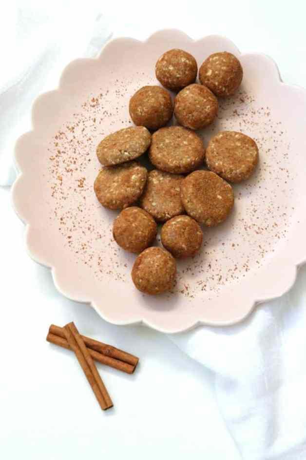 Kid-Approved Coconut Cinnamon Energy Bites #coconutcinnamonbites #healthykidfoods #glutenfreesnacks