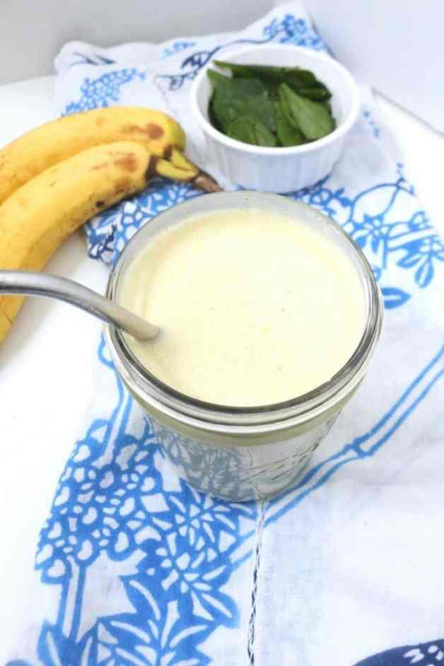 Almond Butter Smoothie #smoothie #smoothierecipe #almondbuttersmoothie