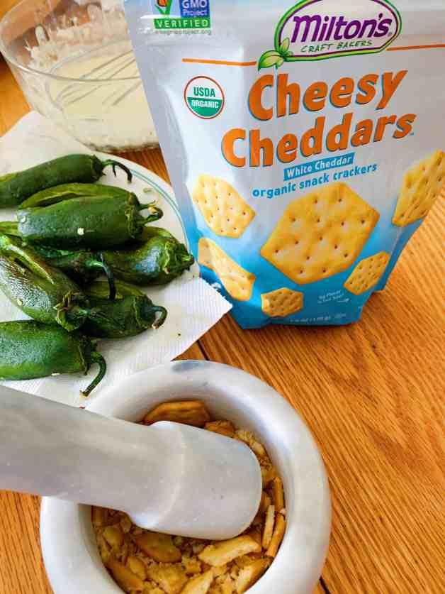 Preparing chiles capeados #chilescapeados #jalapeñorecipes #mexicanappetizer