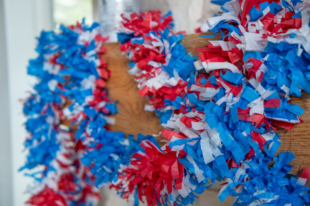 How to make 4th of July garland decorations