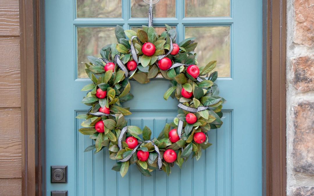 EASY DIY FALL APPLE WREATH