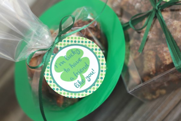 Chocolate Mint Muddy Buddies & Free Printable Tag Everyday Party Magazine