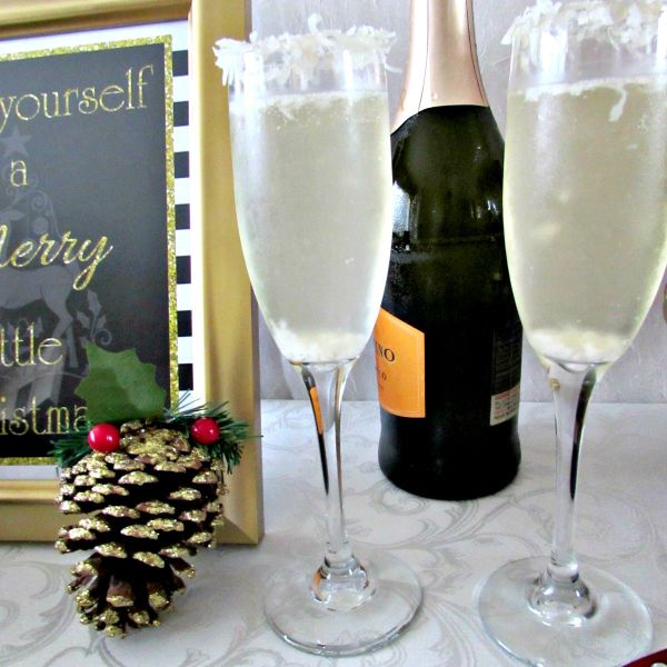 Everyday Party Magazine Delicious Christmas Cocktail Recipes by J at Your Service