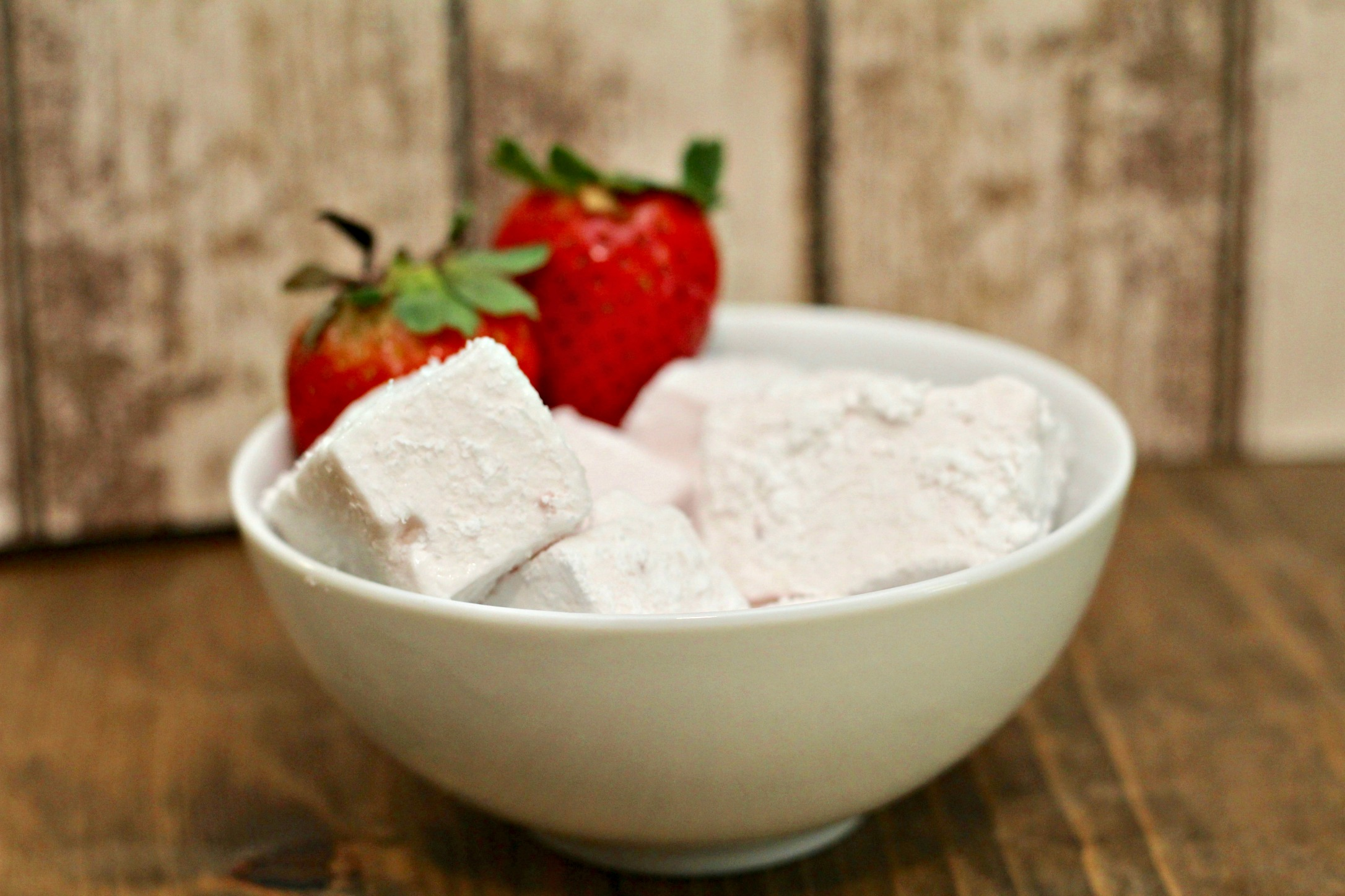 Everyday Party Magazine Strawberry Marshmallows