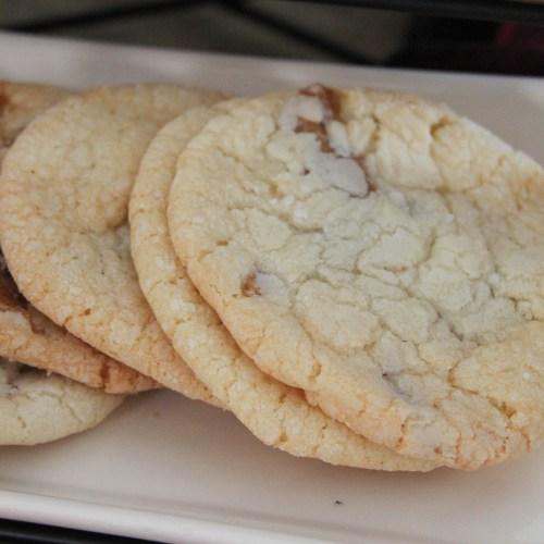 Everyday Party Magazine Simple Caramel Cream Sugar Cookie Swirls