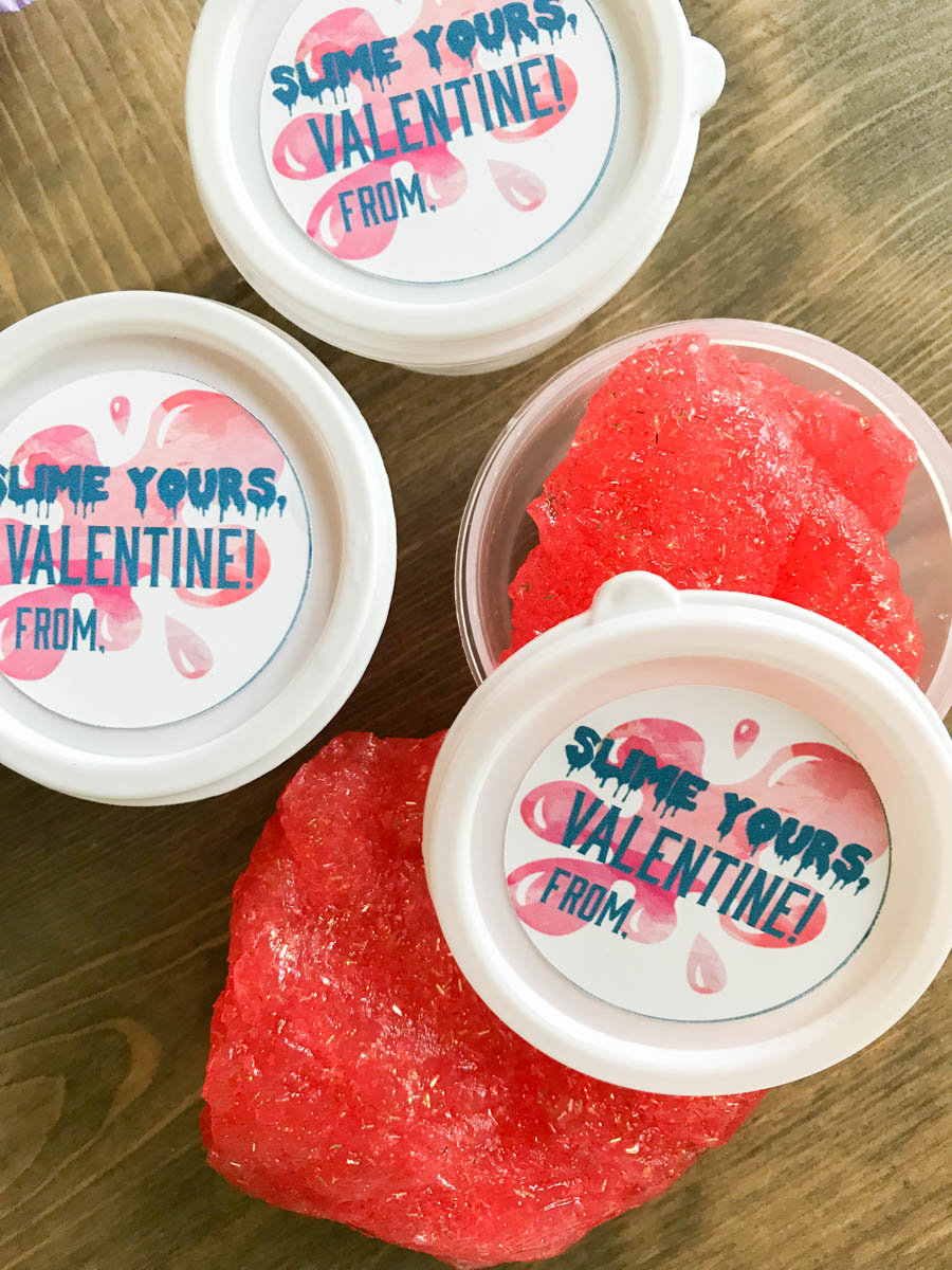 Everyday Party Magazine Slime Yours Valentine's Day Treats #DIY #Slime #ValentinesDay #KidsValentines #FreePrintables
