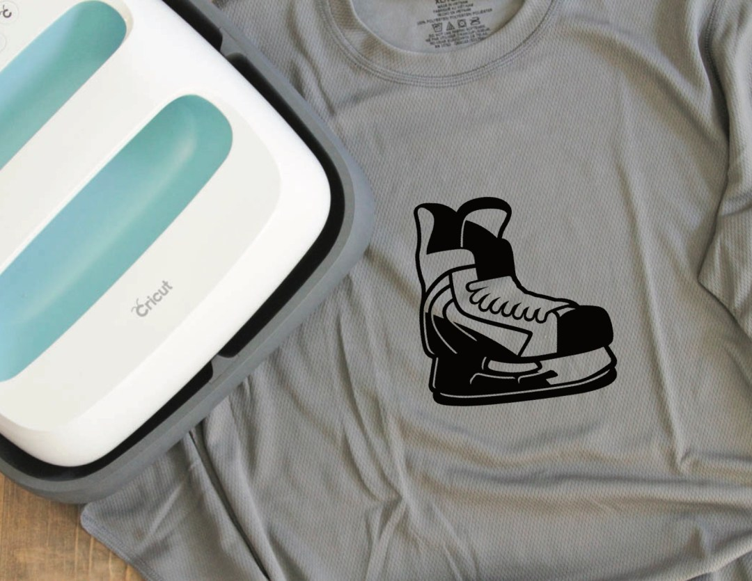 Everyday Party Magazine Cricut SportFlex #Cricut #SportFlex #Hockey#DIY