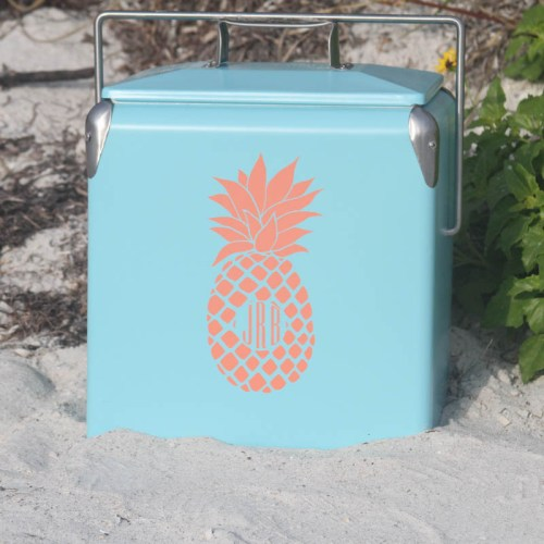 Everyday Party Magazine DIY Cooler Decal with Cricut #CricutMade #CoolerDIY #MarthaStewart #MichaelsMaker