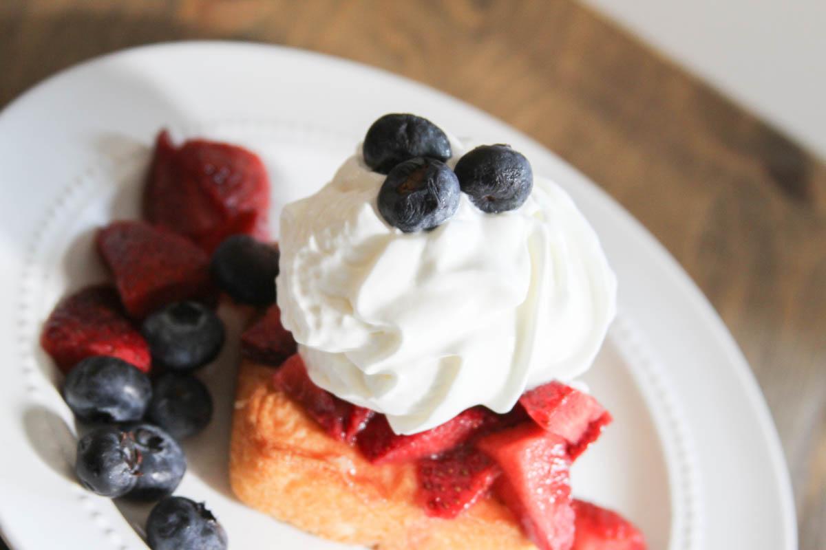 Everyday Party Magazine Red White and Blueberry Shortcake #Patriotic #FourthofJuly #Shortcake #Recipe