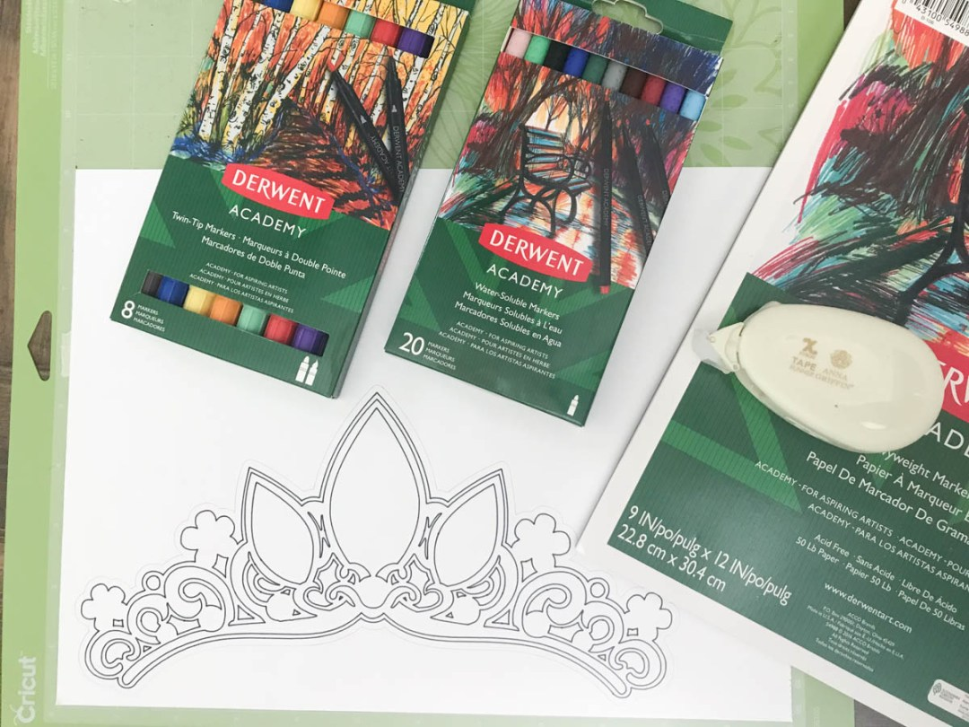 Make your party so special with custom party accessories, like this darling tiara! #XyronBlogger #PrincessParty #PartyDIY