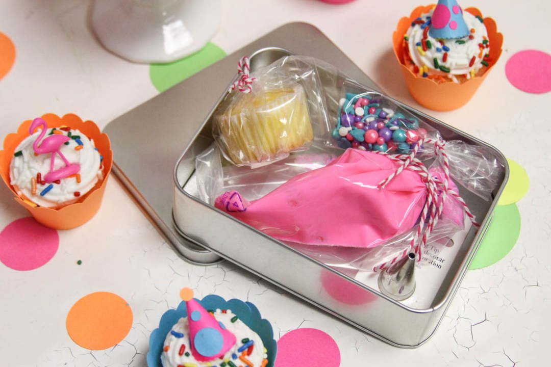 Cupcake Decorating Box