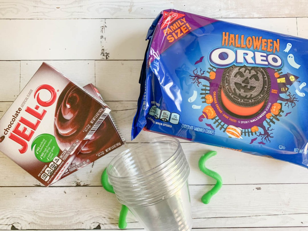 Oreo Cookies Pudding Gummy Worms