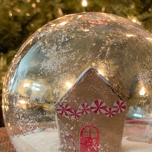 Gingerbread House Snowglobe